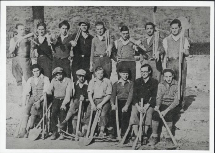 Giovani ebrei tedeschi nella haksharà di Castellina in Chianti, Siena. Questa colonia di addestramento agricolo fu creata da un'organizzazione sionista tedesca alla fine del 1933 - Archivio privato, Berlino