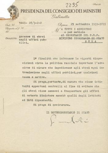 Divieto di accesso negli uffici pubblici, settembre 1939 - ACS, Presidenza del consiglio dei ministri, b.2297 (concessione n. 484/04)