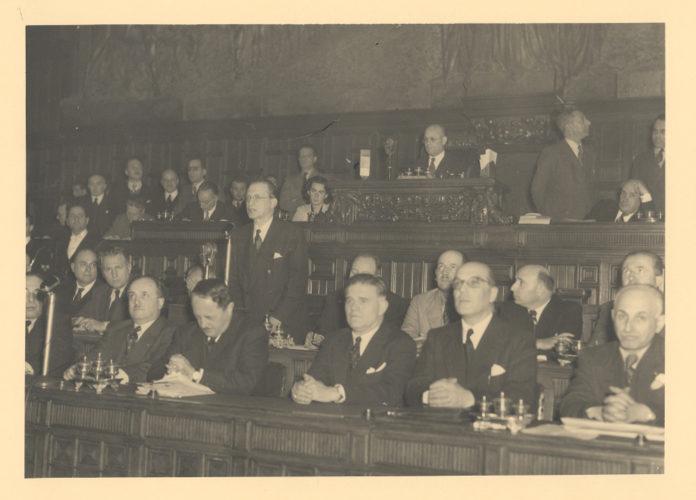 Umberto Terracini presiede l'Assemblea Costituente, dicembre 1947 - Archivio del Senato, Roma