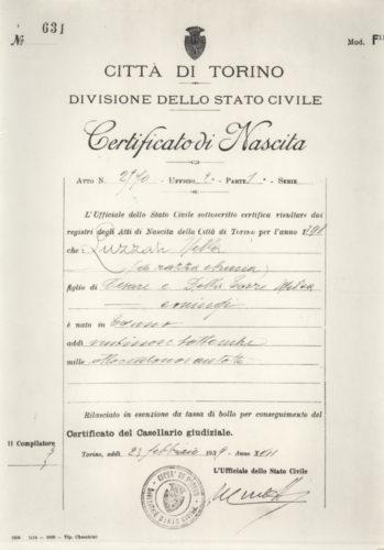 """Certificato di nascita di Nella Luzzatto recante la dicitura """"di razza ebraica"""", Torino, 23 febbraio 1939 - Archivio CDEC, Fondo Vicissitudini dei singoli, b. 15, fasc. 459 - <a href=""""http://digital-library.cdec.it/cdec-web/storico/detail/IT-CDEC-ST0005-000565/luzzati-nella.html"""" target=""""_blank""""  >vai alla scheda</a>"""