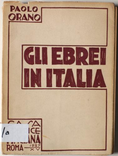 """Paolo Orano, """"Gli ebrei in Italia"""", Roma, 1937 - Il libro che apre il dibattito sulla """"questione ebraica"""" in Italia. Gli ebrei vi sono descritti con i più ricorrenti stereotipi antisemiti.   CDEC, Biblioteca - <a href=""""http://digital-library.cdec.it/cdec-web/biblioteca/detail/book-CDEC10300018609/gli-ebrei-italia-3.html"""" target=""""_blank""""  >vai alla scheda</a>"""