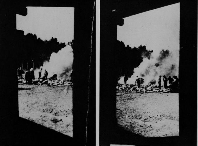 Foto prese di nascosto da un membro ignoto del Sonderkommando dall'interno di una camera a gas -  Oswiecin (Auschwitz), Museo Statale