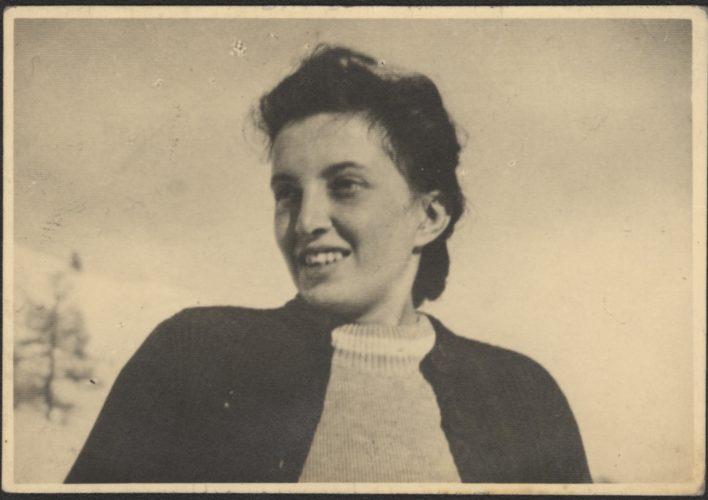 """Vanda Maestro (1919-1944), partigiana - Nata nel 1919 a Torino entrò a far parte della Resistenza e venne arrestata il 13 dicembre 1944 in Valle d'Aosta. Imprigionata a Fossoli e poi deportata ad Auschwitz morì all'arrivo il 30 ottobre 1944  Archivio CDEC, Fondo Antifascisti e partigiani ebrei, b. 12, fasc. 265  - <a href=""""http://digital-library.cdec.it/cdec-web/storico/detail/IT-CDEC-ST0002-000267/maestro-vanda.html"""" target=""""_blank""""  >vai alla scheda</a>"""
