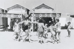 Bambini alla colonia del Lido di Venezia nell'estate del 1946