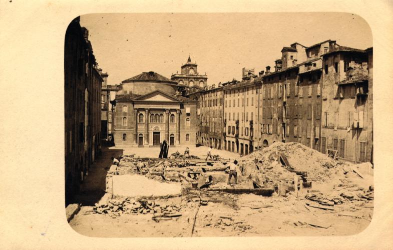La demolizione del ghetto di Modena, 1904 - L'abolizione della residenza obbligata nei ghetti aveva costituito un aspetto fondamentale nel processo di emancipazione.  Archivio privato, Modena