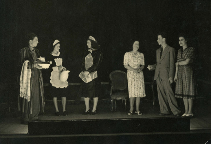 Recita alla scuola ebraica di Milano nel 1940 - Archivio privato, Milano