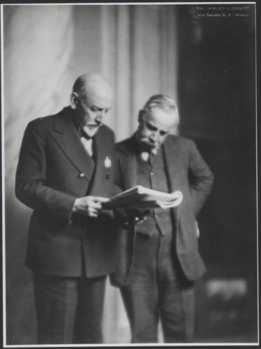 Sabatino Lopez, uno dei maggiori commediografi dell'epoca, e Luigi Pirandello agli inizi del '900 - Archivio privato, Milano
