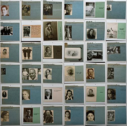 """Alcune delle centinaia di schede di segnalazione di ebrei scomparsi raccolte dopo la Liberazione di Roma dal Comitato Ricerche Deportati Ebrei - Archivio CDEC, Fondo Massimo Adolfo Vitale. Fotografie - <a href=""""http://digital-library.cdec.it/cdec-web/fotografico/vittime-della-shoah"""" target=""""_blank""""  >vai alla scheda</a>"""